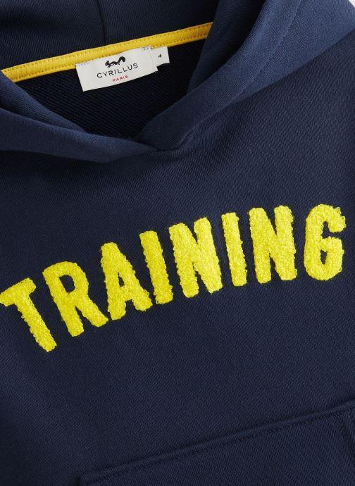 Vêtements Cyrillus Sweatshirt hoodie Guillem Bleu vue portées chaussures