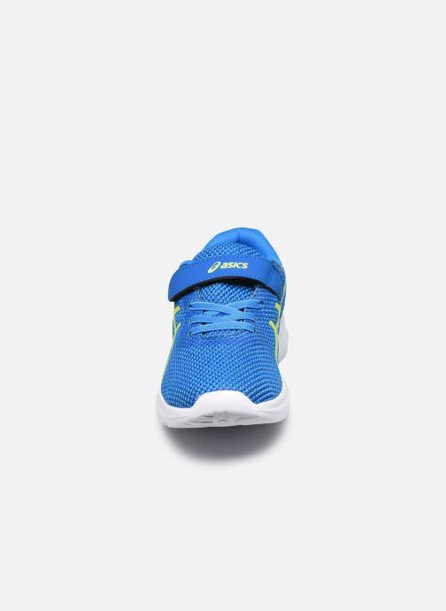 Scarpe sportive Asics Lazerbeam PS Azzurro modello indossato