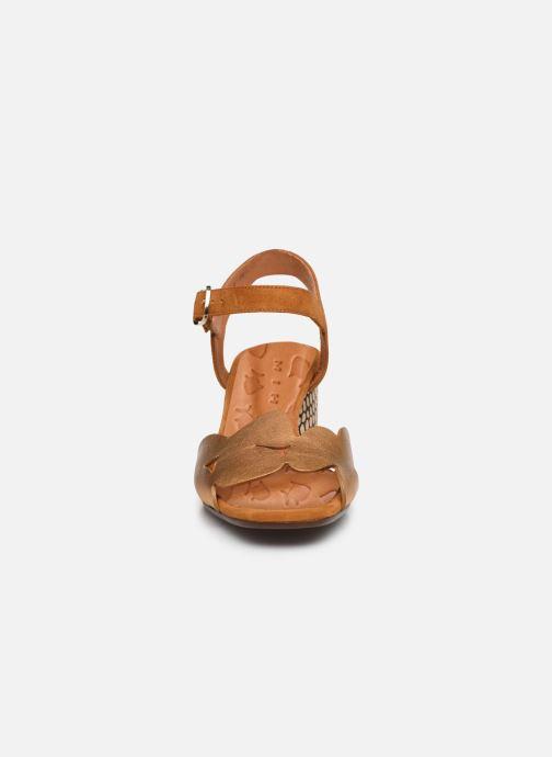 Sandalias Chie Mihara LORAN Oro y bronce vista del modelo