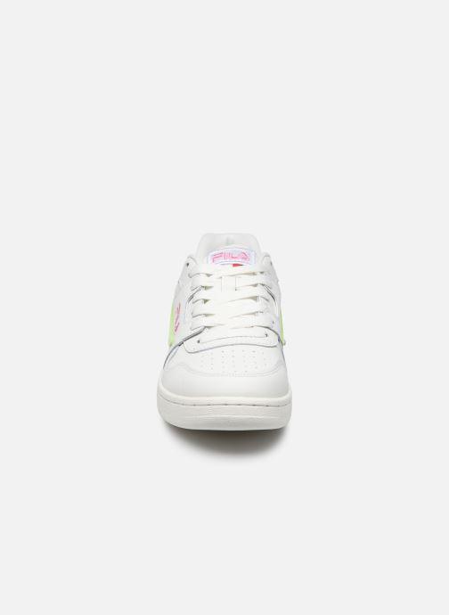 Baskets FILA Arcade F Wmn Blanc vue portées chaussures
