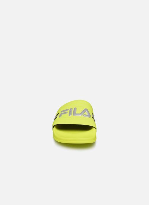 Zoccoli FILA Oceano Neon Slipper Wmn Giallo modello indossato