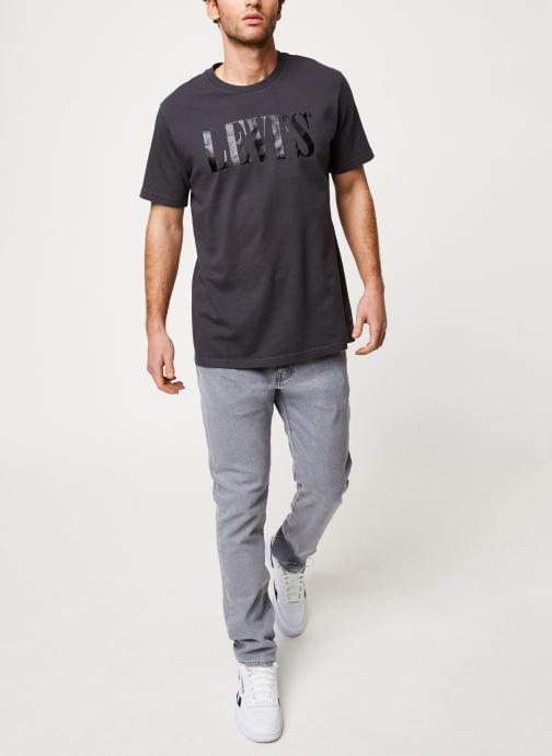 Vêtements Levi's 512™ SLIM TAPER FIT Gris vue bas / vue portée sac