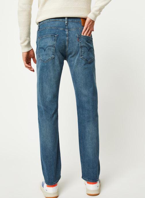 Vêtements Levi's 502™ TAPER Bleu vue portées chaussures