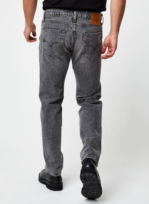Vêtements Levi's 502™ TAPER Gris vue portées chaussures