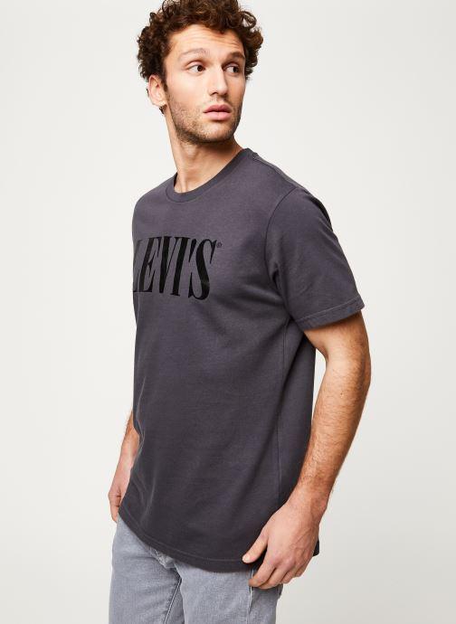 Vêtements Levi's RELAXED GRAPHIC TEE Noir vue détail/paire