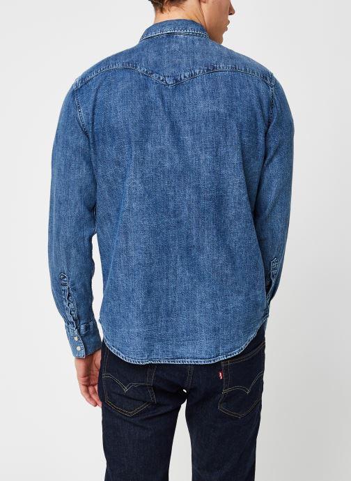 Vêtements Levi's BARSTOW WESTERN STANDARD Bleu vue portées chaussures