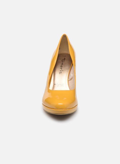 Escarpins Tamaris SOSKO Jaune vue portées chaussures