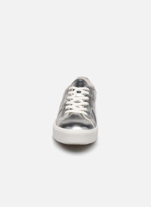 Sneakers Tamaris JIHANE Argento modello indossato