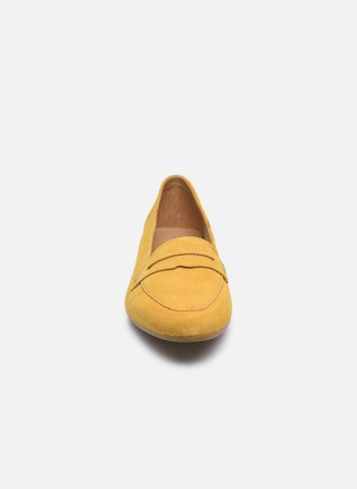 Mocassins Tamaris YUZA Jaune vue portées chaussures