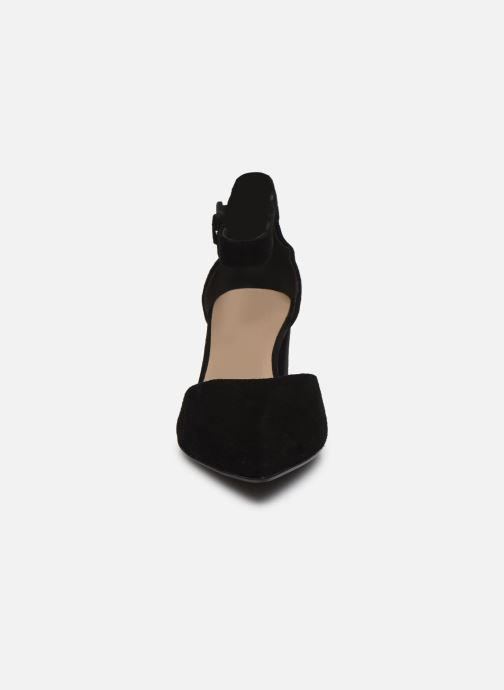 Zapatos de tacón Tamaris YULIA Negro vista del modelo