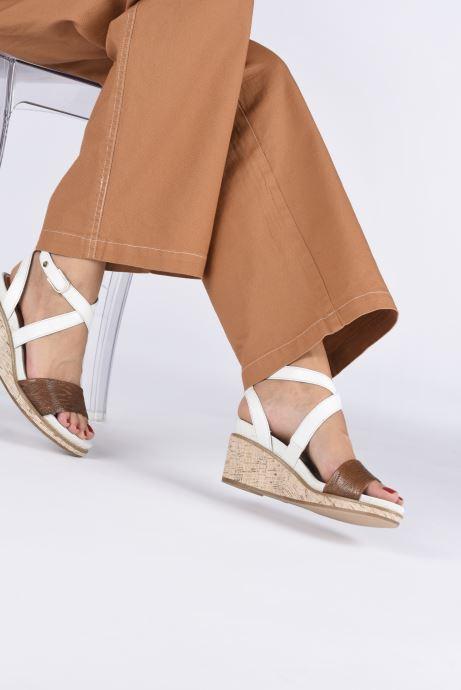 Sandales et nu-pieds Tamaris ELEA Marron vue bas / vue portée sac