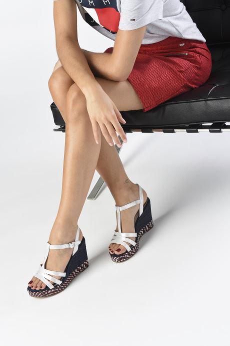 Sandales et nu-pieds Tamaris LENNY Argent vue bas / vue portée sac