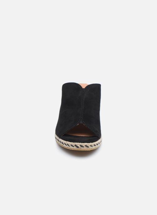 Mules et sabots Tamaris MIRTA Noir vue portées chaussures