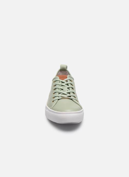 Sneakers Blackstone PL97 Verde modello indossato