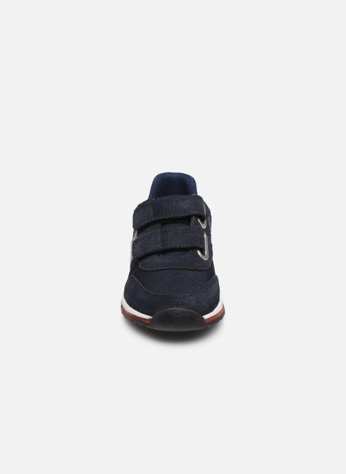 Baskets BOSS J09H17 Bleu vue portées chaussures