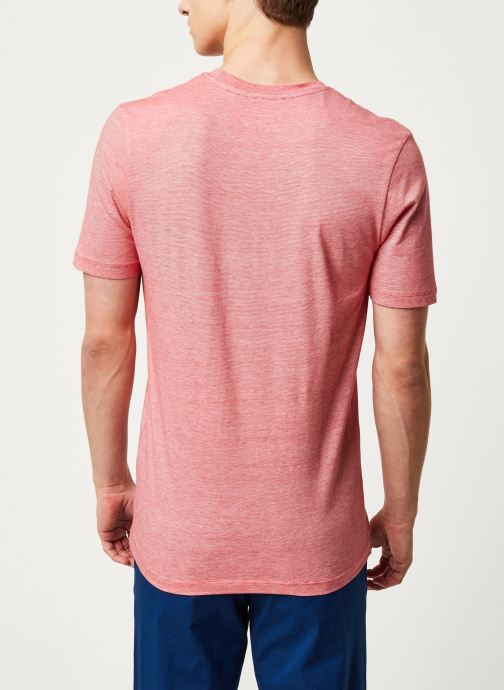 Vêtements Selected Homme Slhtheperfect Mel SS Tee Rouge vue portées chaussures