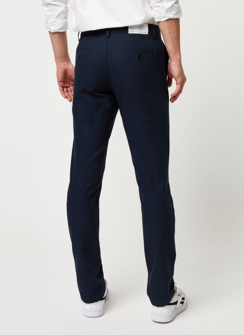 Vêtements Farah Elm Cotton Hopsack Bleu vue portées chaussures