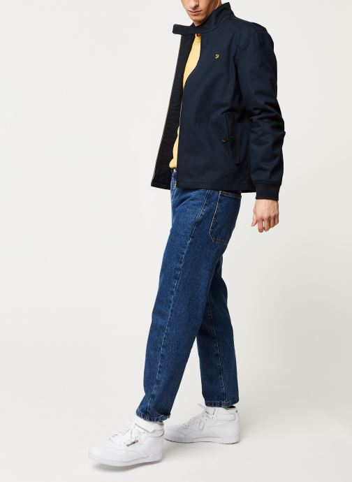 Vêtements Farah Hardy Harrington Bleu vue bas / vue portée sac