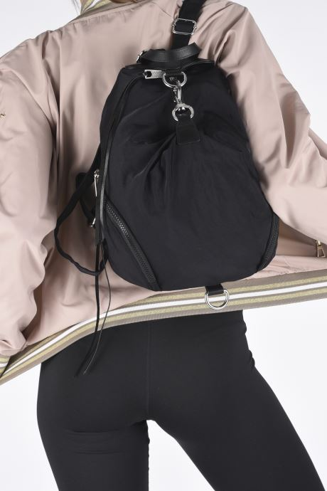 Mochilas Rebecca Minkoff Julian Nylon Backpack Negro vista de abajo