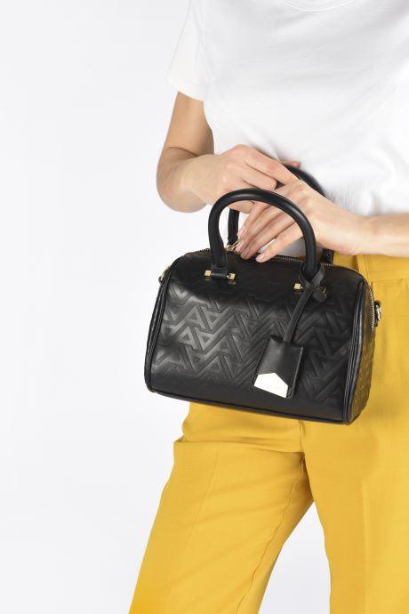 Handtaschen Aldo PERMELIA schwarz ansicht von unten / tasche getragen