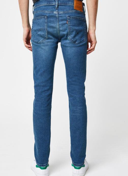Vêtements Levi's 519™ Extreme Skinny Fit Bleu vue portées chaussures