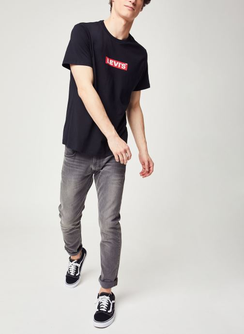 Vêtements Levi's Boxtab Graphic Tee Noir vue bas / vue portée sac