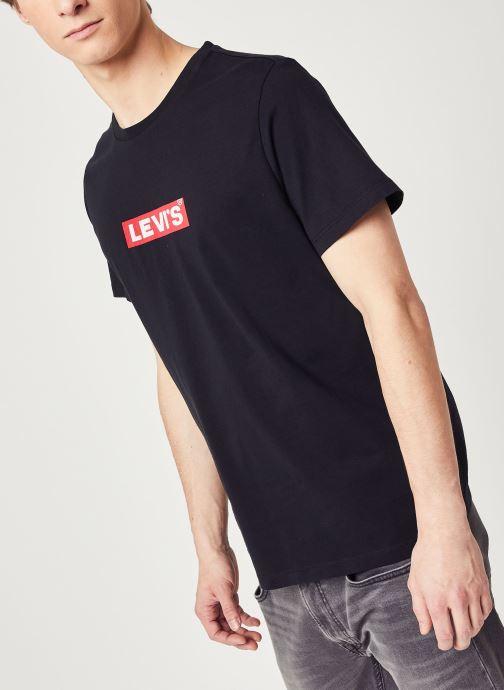 Vêtements Levi's Boxtab Graphic Tee Noir vue droite