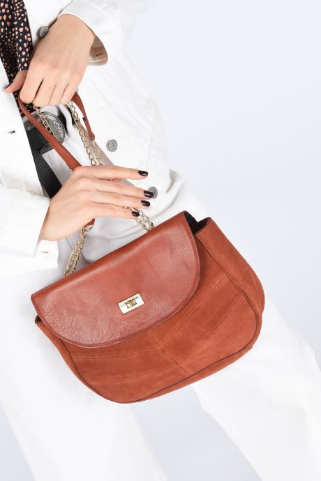 Handbags Pieces NUKA SUEDE CROSS BODY Red view from underneath / model view