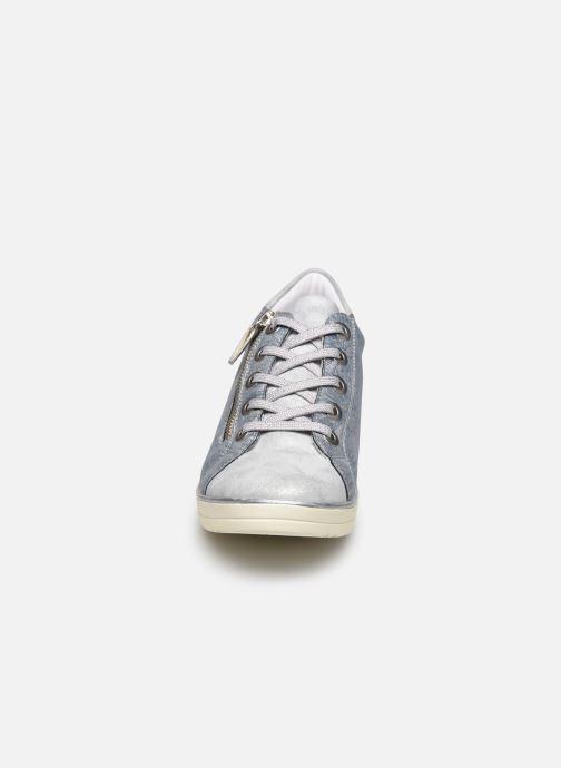 Sneakers Remonte Ilie Azzurro modello indossato