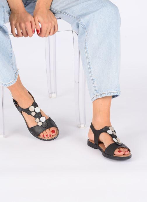 Sandales et nu-pieds Remonte Viorel Noir vue bas / vue portée sac