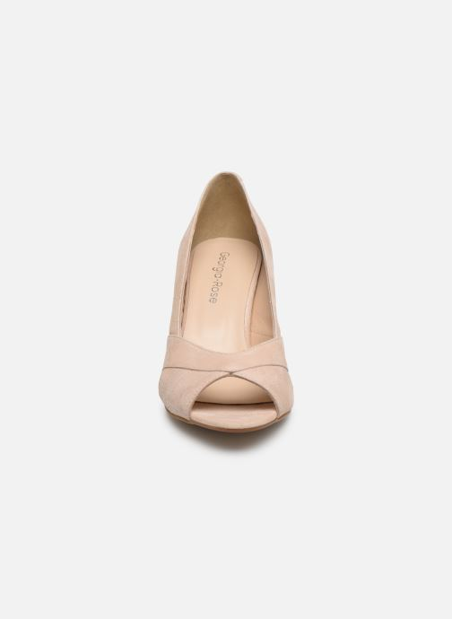 Zapatos de tacón Georgia Rose Sepina Beige vista del modelo