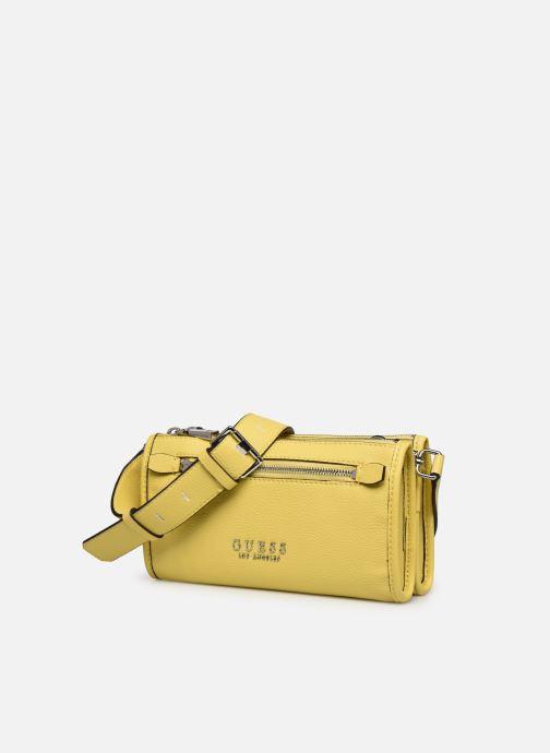 Bolsos de mano Guess LIAS DOUBLE ZIP  CROSSBODY Amarillo vista del modelo