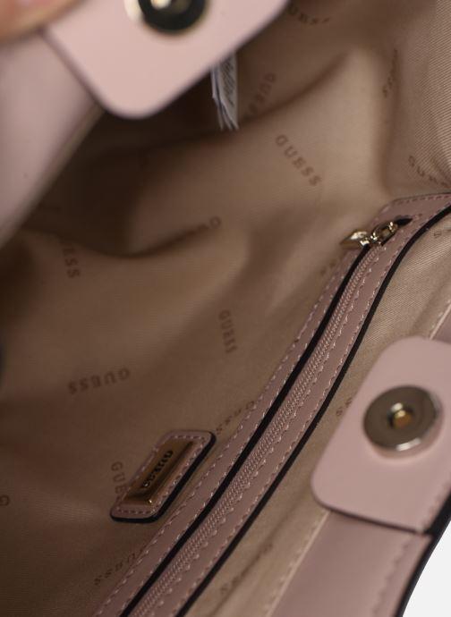 Handtassen Guess TANGEY GIRLFRIEND  SATCHET Roze achterkant