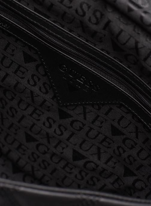 Handtaschen Guess CORAL TOP  HANDLE FLAP schwarz ansicht von hinten