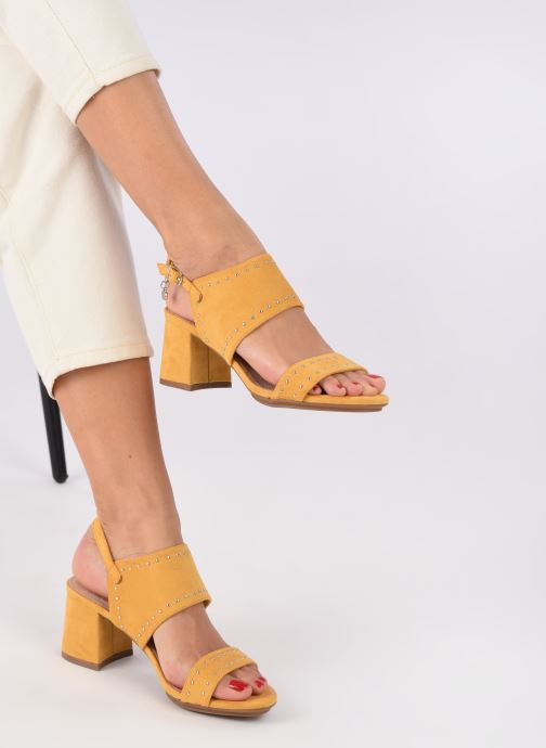 Sandales et nu-pieds Xti 35194 Jaune vue bas / vue portée sac