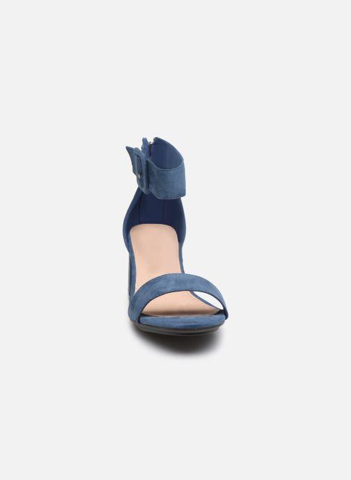Sandali e scarpe aperte Xti 35196 Azzurro modello indossato