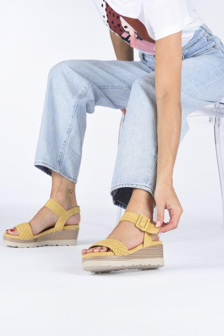 Sandales et nu-pieds Xti 44003 Jaune vue bas / vue portée sac
