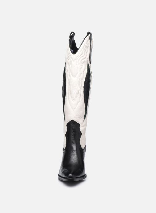 Bottes Bronx NEW-KOLE 14177 Blanc vue portées chaussures