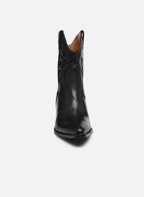 Bottines et boots Bronx LOW-KOLE 34151 Noir vue portées chaussures