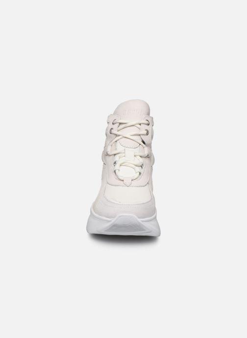 Baskets Bronx GRAYSON 47240 Blanc vue portées chaussures