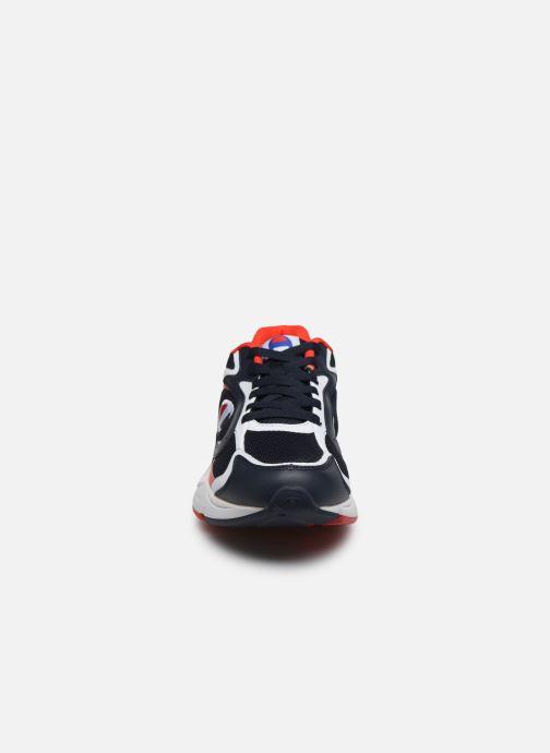 Sneakers Champion Low Cut Shoe Lexington 200 Azzurro modello indossato