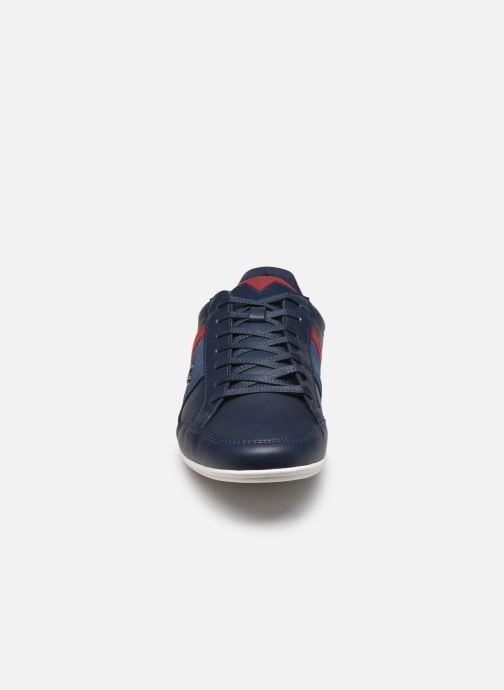 Baskets Lacoste Nvy/Dk Red Bleu vue portées chaussures