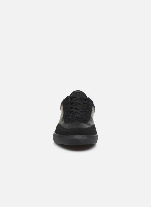 Baskets Lacoste Court-Master 120 4 Cma Noir vue portées chaussures
