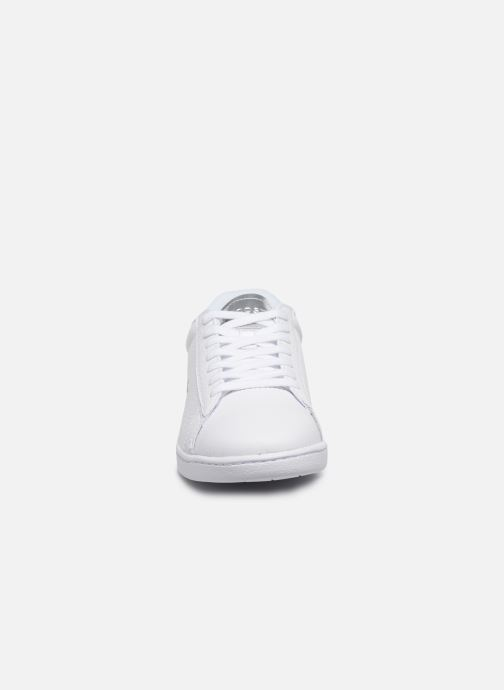 Baskets Lacoste Carnaby Evo 220 1 Sfa Blanc vue portées chaussures