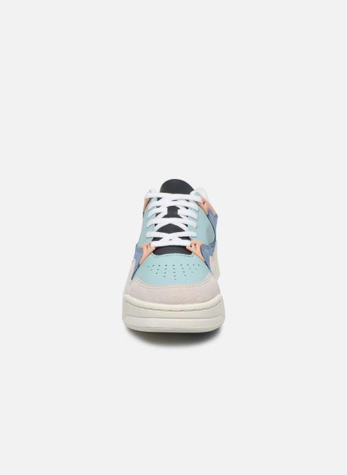 Baskets Lacoste Court Slam 120 4 Us Sfa Multicolore vue portées chaussures
