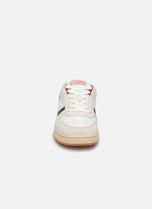 Baskets Lacoste T-Clip 120 2 Us Sfa Blanc vue portées chaussures