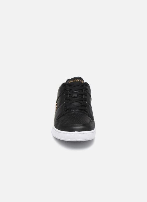 Baskets Lacoste Thrill 120 1 Us Sfa Noir vue portées chaussures