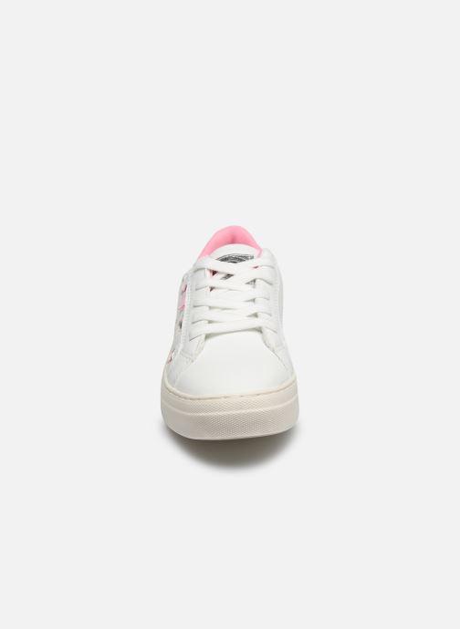 Baskets Xti Baskets / 57051 Blanc vue portées chaussures