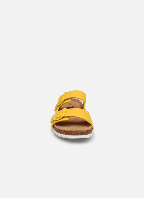 Sandales et nu-pieds Xti Sandales / 57062 Jaune vue portées chaussures