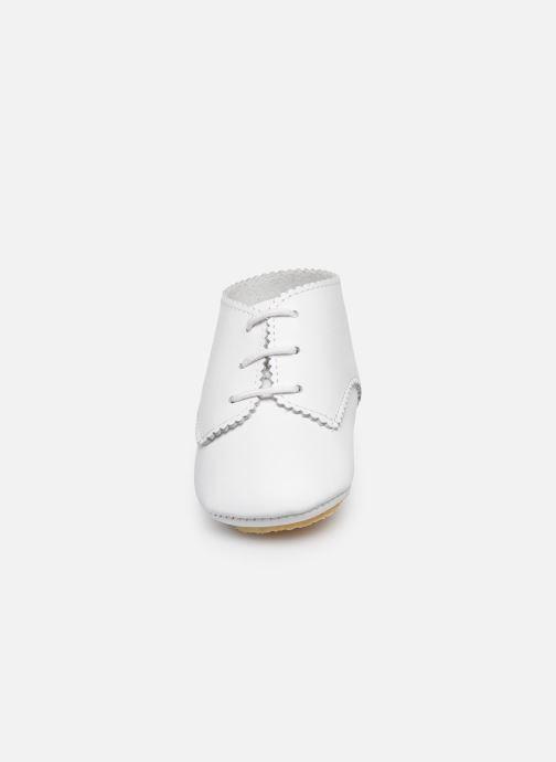 Chaussons Patt'touch Ange Blanc vue portées chaussures
